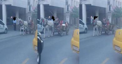 Полицаец пропушта возило по еднонасочна улица